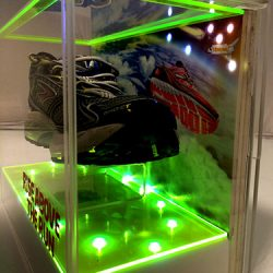 led-illuminated-acrylic-shoe-display