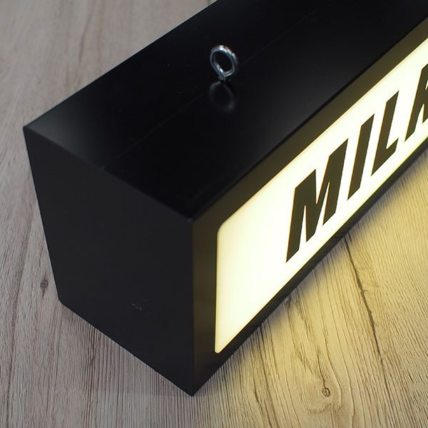 Illuminated light box sign